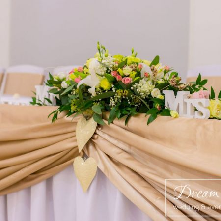 Svadobná výzdoba reštaurácie Corvin